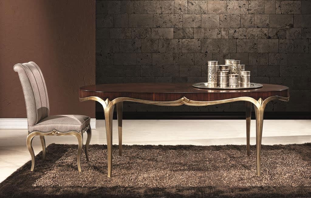 Tavolo ovale da pranzo in legno con base finitura oro for Tavolo da pranzo ovale