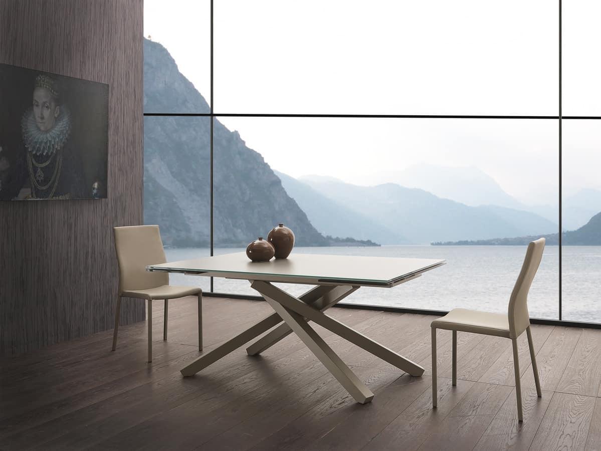 Art. 657 Infinity, Tavolo allungabile con piano in vetro, base in acciaio