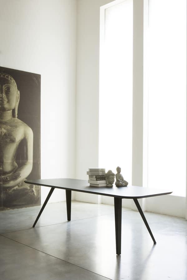 ART. AKY Met, Tavolo design in metallo, con piano in laminato