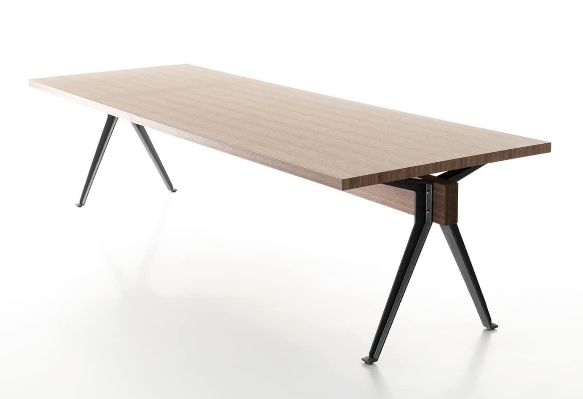tavolo design con gambe in ghisa con profilo a t idfdesign