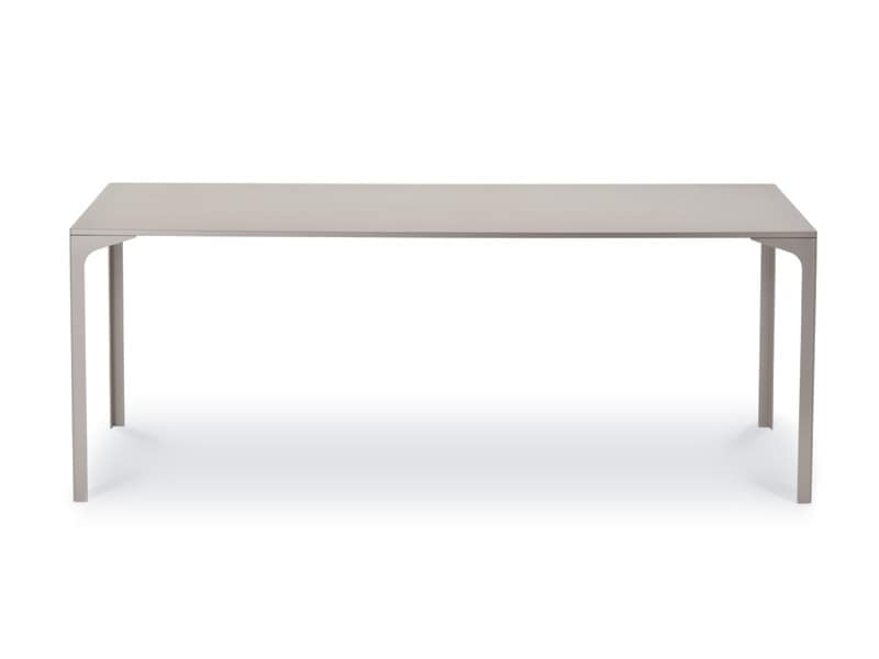 Tavolo in metallo dal design pulito per sala da pranzo for Poltroncine per tavolo da pranzo