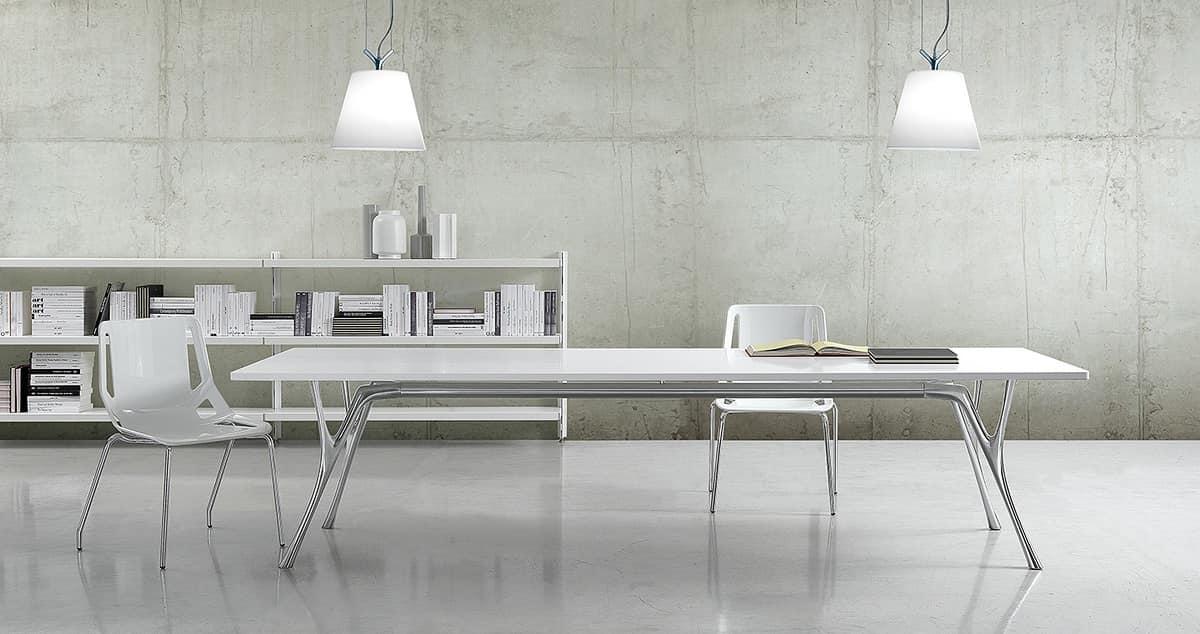Pegaso solid, Lungo tavolo in alluminio lucidato e piano in resina
