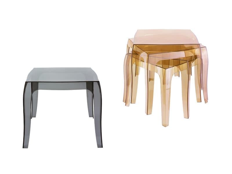 Tavolo in plastica impilabile anche per uso esterno - Tavolo plastica esterno ...