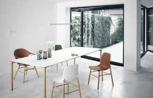 Boiacca Wood, Tavolo design con gambe in legno e piano in Fenix