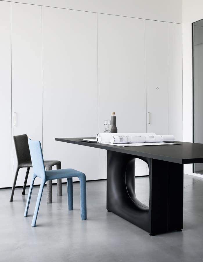Holo, Tavolo Design, Con Base In Metallo Con Foro Ovale