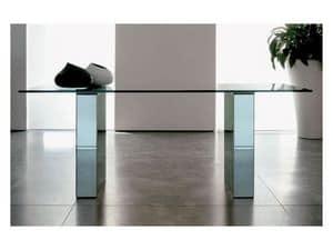 Area, Tavolo da pranzo con piano in vetro, struttura laccata