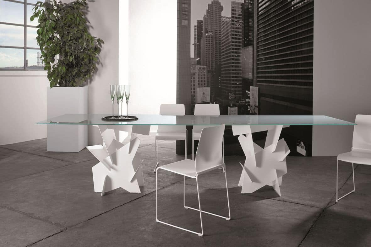 Tavolo con basi in alluminio assemblate ad incastro piano in vetro idfdesign - Tavoli in vetro design ...
