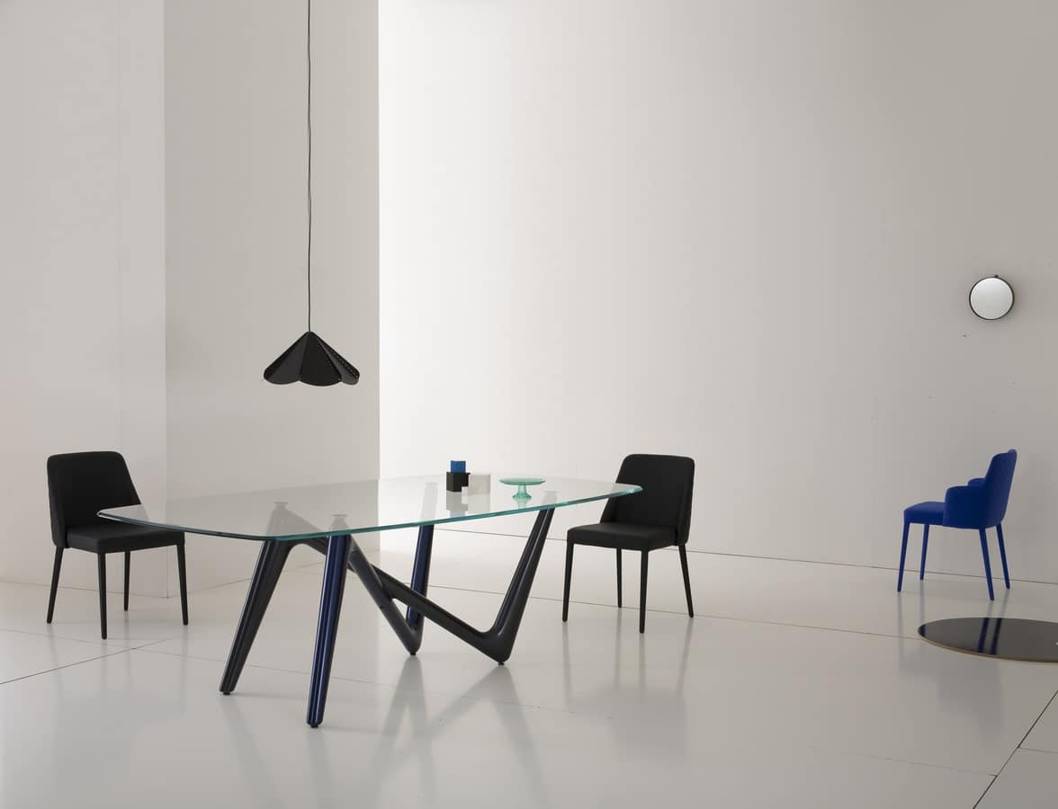 Tavolo con piano in vetro e gambe in poliuretano idfdesign - Tavoli da pranzo ferro battuto e vetro ...