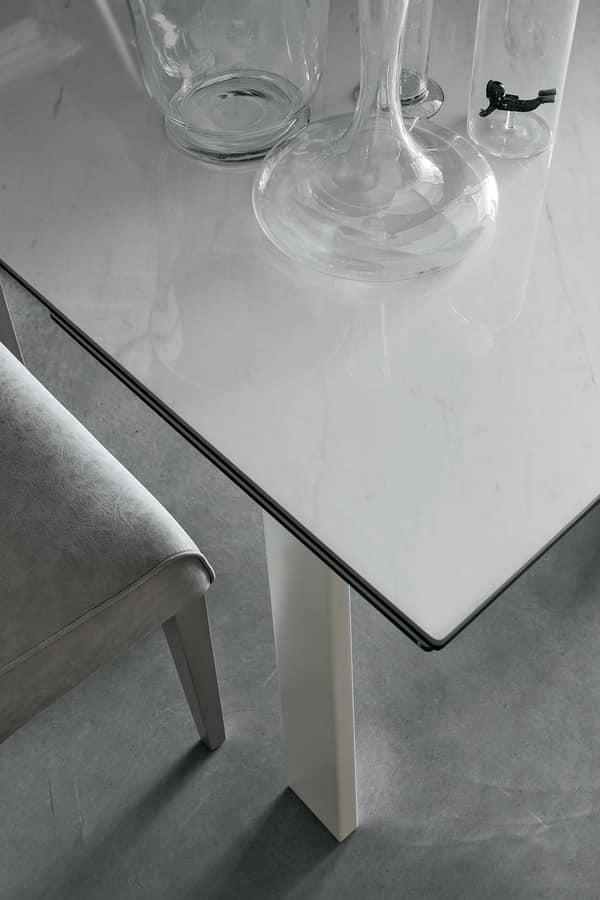 Tavolo da pranzo estensibile con piano in vetro idfdesign - Tavolo pranzo vetro ...
