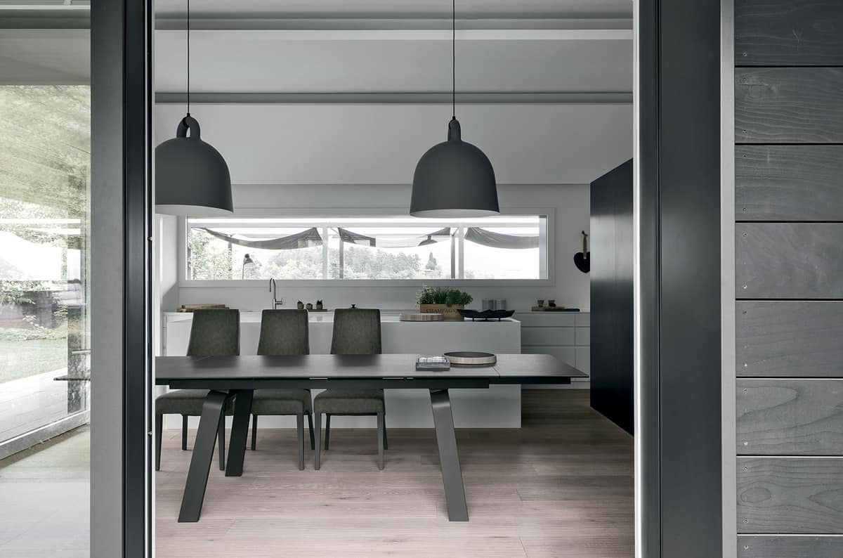Tavolo da pranzo estensibile con piano in vetro idfdesign for Amazon tavoli da pranzo