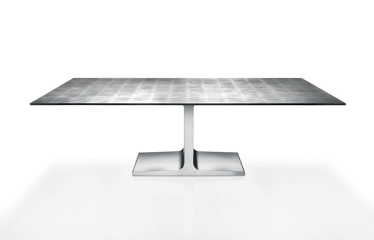 Tavoli moderni con piano in vetro sala da pranzo idfdesign for Tavoli da sala da pranzo moderni