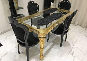 Royal, Tavolo barocco da pranzo, con piano in vetro