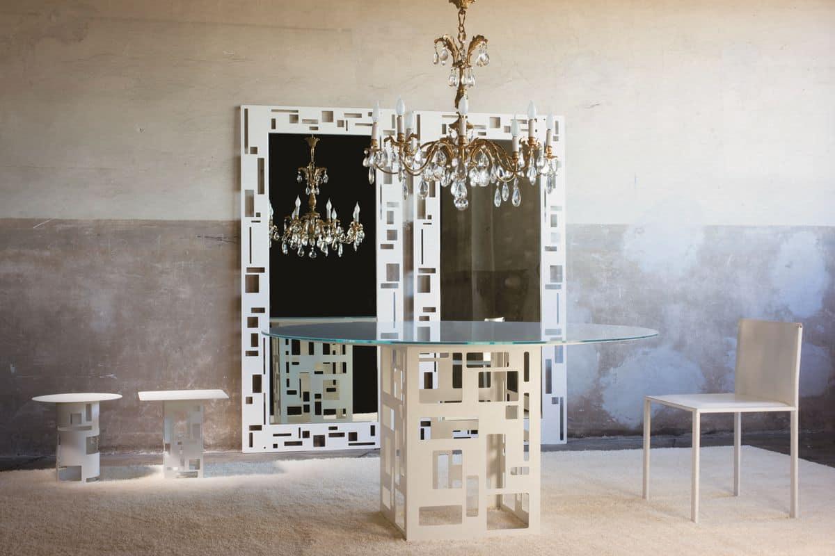 Tavolo con piano in vetro rotondo base in metallo idfdesign for Tavoli tondi in vetro