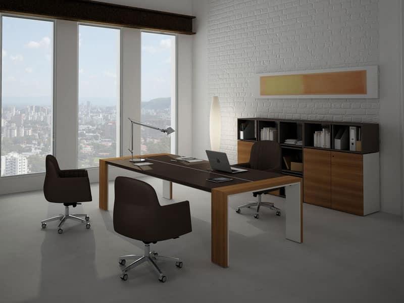 Scrivania elegante ideale per sala riunione idfdesign for Design ufficio scrivania