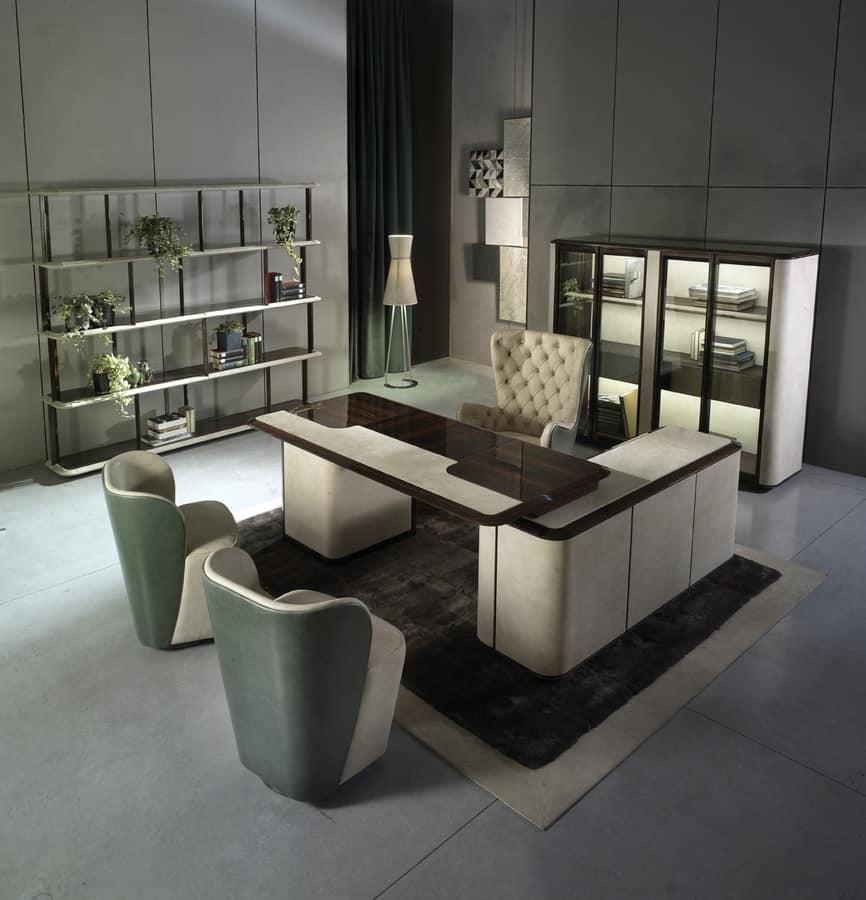 Elegante scrivania per ufficio direzionale idfdesign for Design ufficio srl