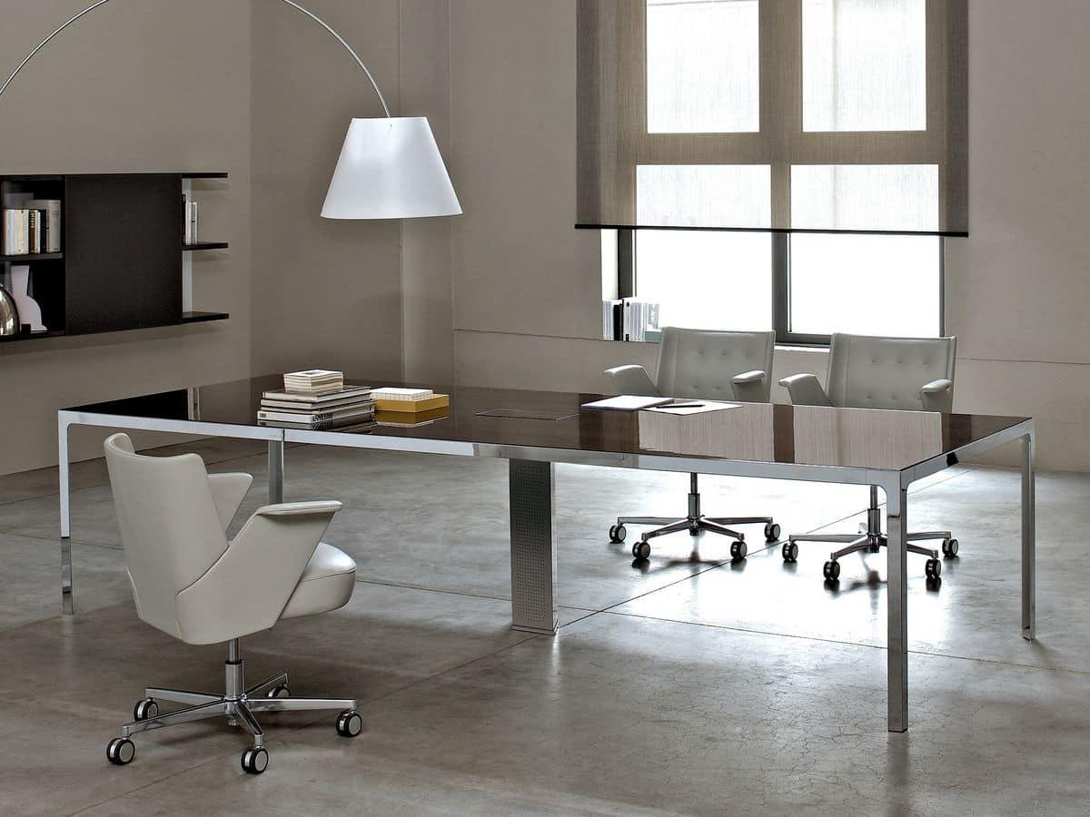 Tavolo quadrato struttura metallica piano in legno for Design ufficio scrivania