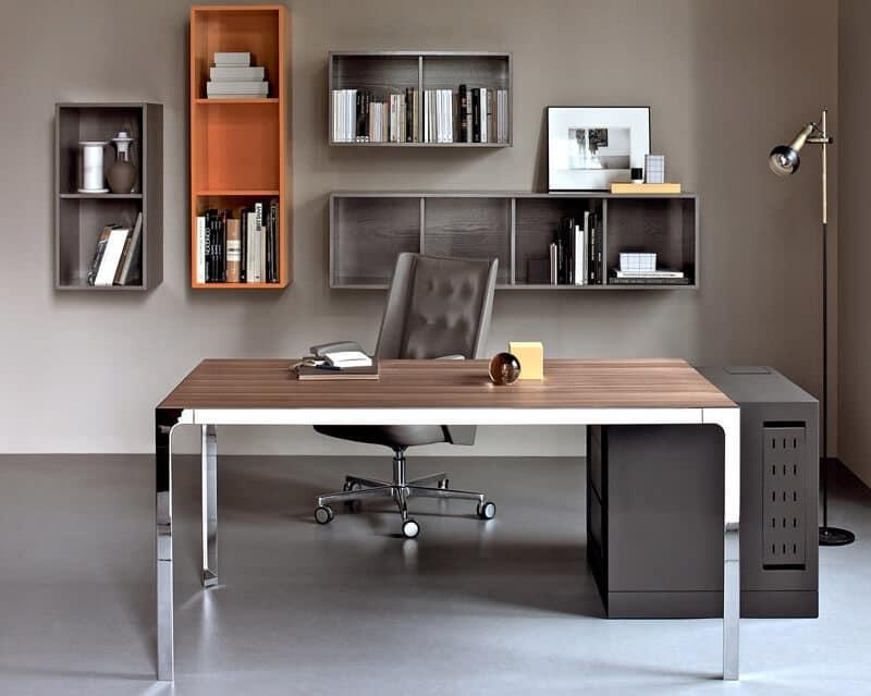 Scrivania Ufficio In Metallo : Scrivania operativa con struttura in metallo adatta per uffici