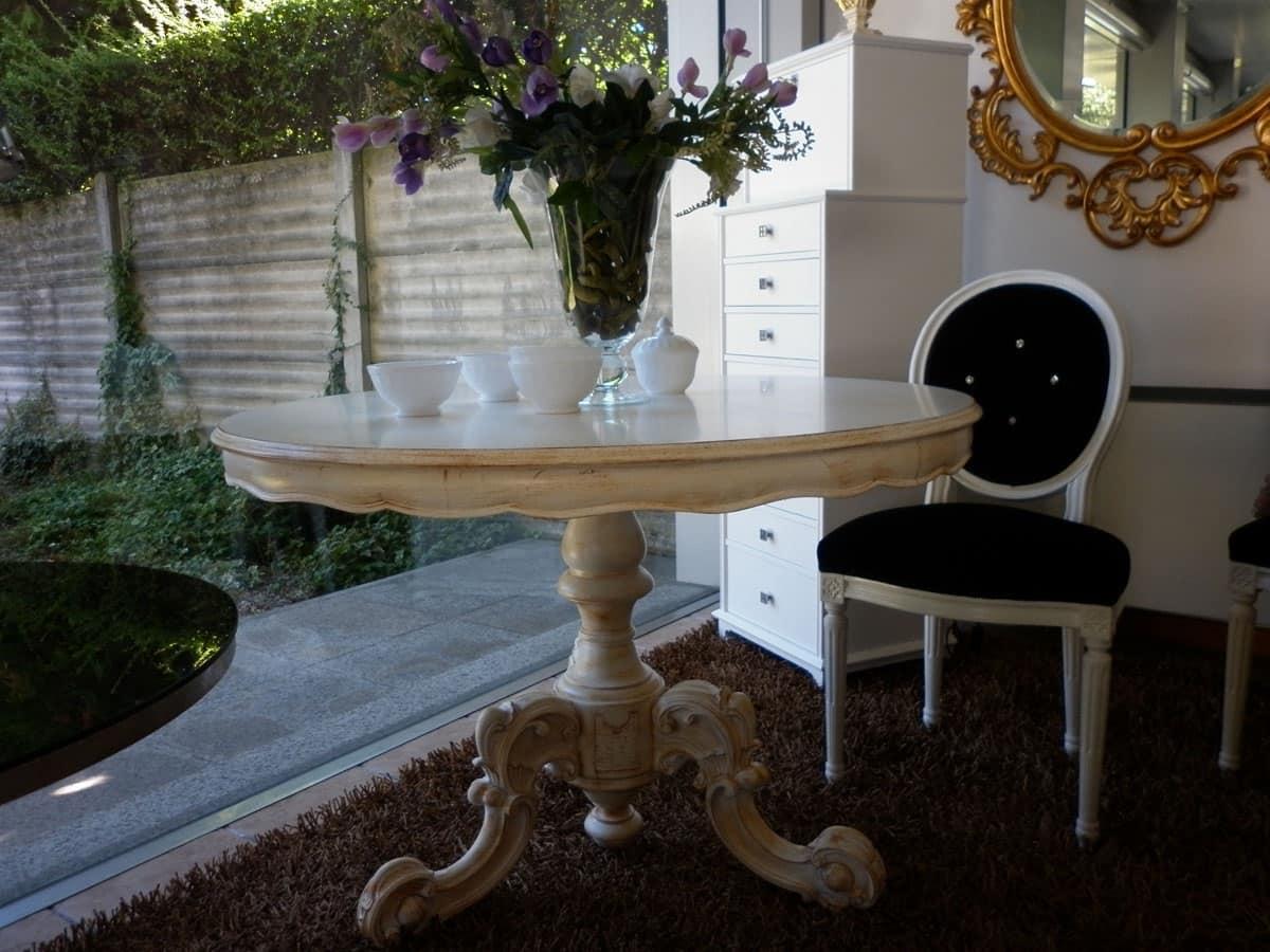 Tavolo da pranzo lineare in legno rotondo classico idfdesign - Tavoli da pranzo classici ...
