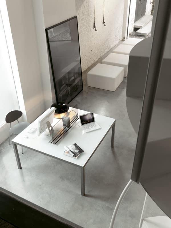 Tavoli Quadrati Di Design.Tavolo Essenziale Di Design Quadrato Per Ufficio Idfdesign