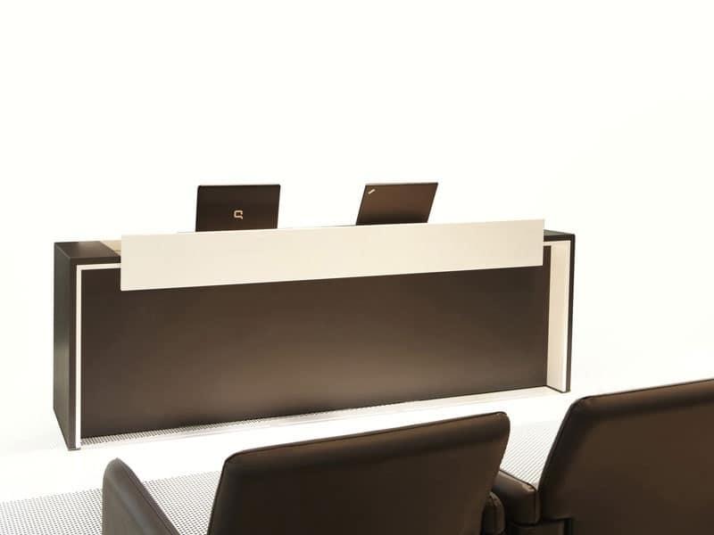 Scrivania bicolore da convegno per sala conferenze for Banco ufficio