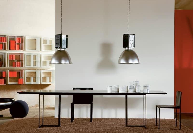 Tavolo dal design minimale in metallo e cristallo per la for Tavolo in cristallo moderno