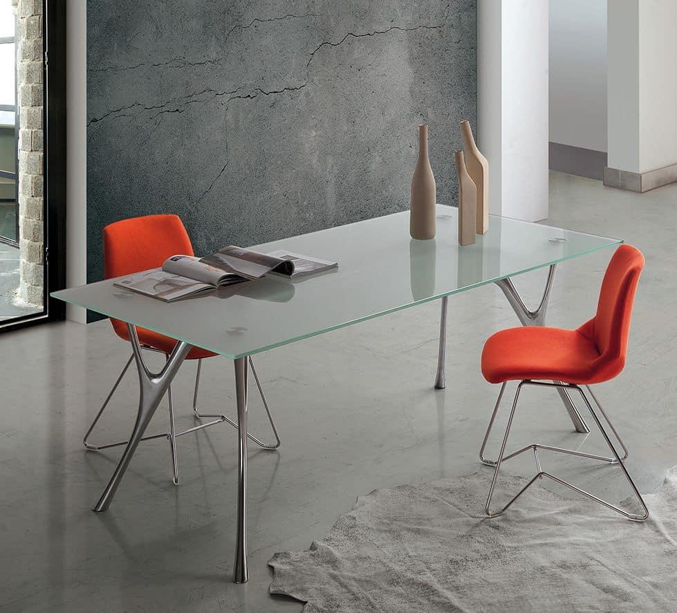 Pegaso 2, Tavolo con design lineare