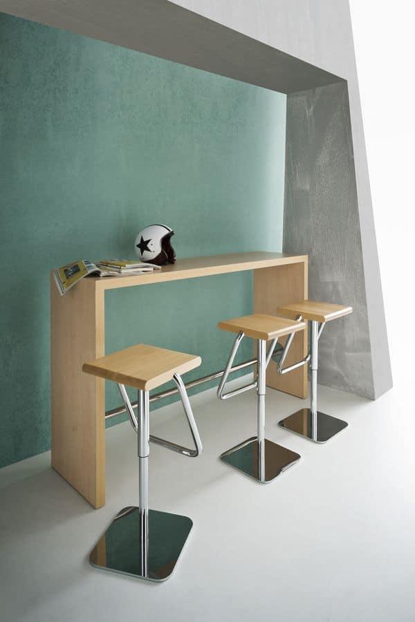 Break, Tavolo alto in laminato con poggiapiedi, design