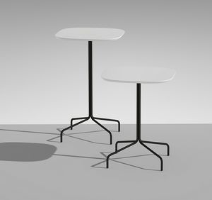 LUCKY 6, Tavolino con piano quadrato con angoli smussati