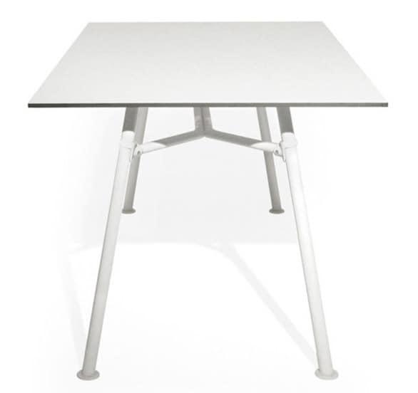 Tavolo da pranzo in metallo leggero piano in laminato for Tavolo pranzo altezza