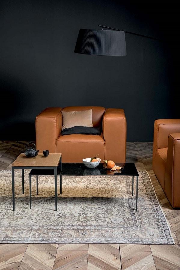 MAISTRI, Tavolini con struttura in metallo e top in legno o vetro fuso