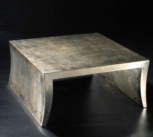 Art. 20704, Tavolino quadrato in legno