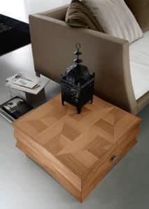 Diamante Art. 81.313, Tavolino quadrato con intaglio in stile contemporaneo