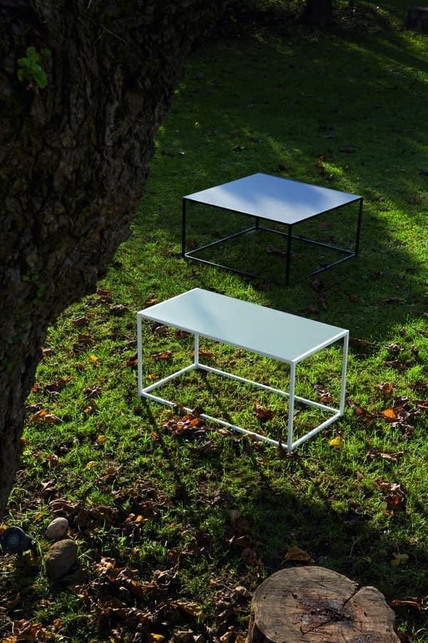 Tavolino in metallo e legno in stile minimale idfdesign for Tavolini arredo