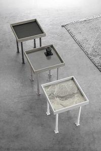 FRAME S TL527, Tavolino con piano in gres porcellanato