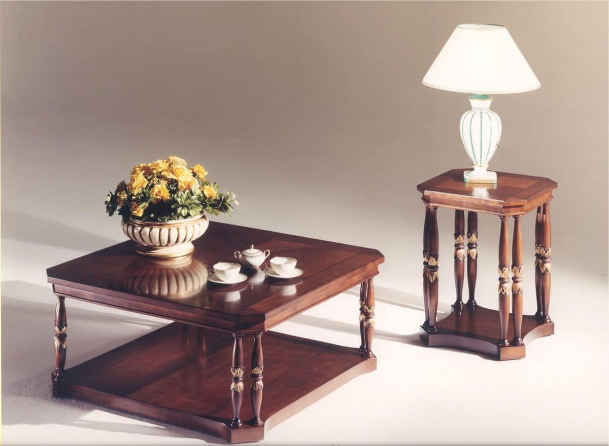 tavolino quadrato in legno per salotti in stile classico
