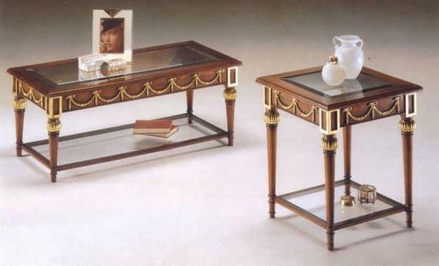 Tavolino classico in legno piano in cristallo idfdesign for Tavolini cristallo