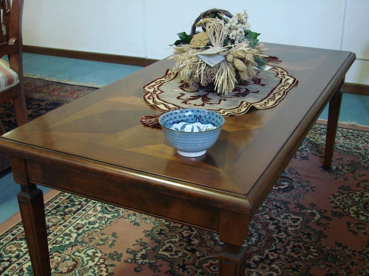 Tavolini Da Salotto Classici In Legno.Tavolino Da Salotto In Legno Di Noce In Stile Classico