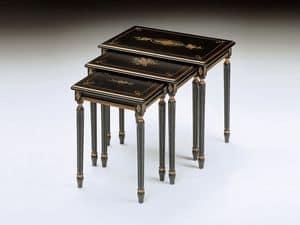 Art. 260 Jelena, Tavolini classici, in legno lavorato, per suite hotel