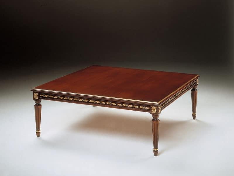 Art. 261/Q, Tavolino classico in legno intagliato, per zona giorno