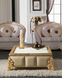 Art. 4086, Tavolino intagliato, finitura foglia oro, piano quadrato in marmo