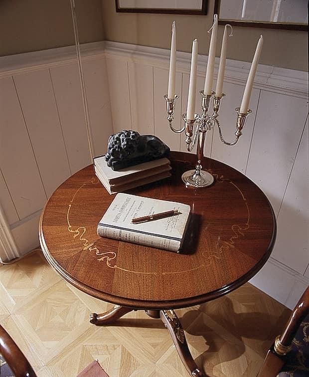 M 503, Tavolino classico in noce, con intarsi e dorature