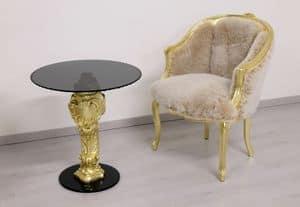 Oscar oro e nero, Tavolino con base in faggio intagliata a mano e piano rotondo in vetro