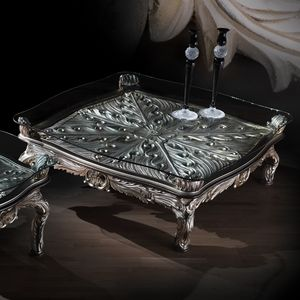 Tavolino 4646, Tavolino classico con finiture in argento