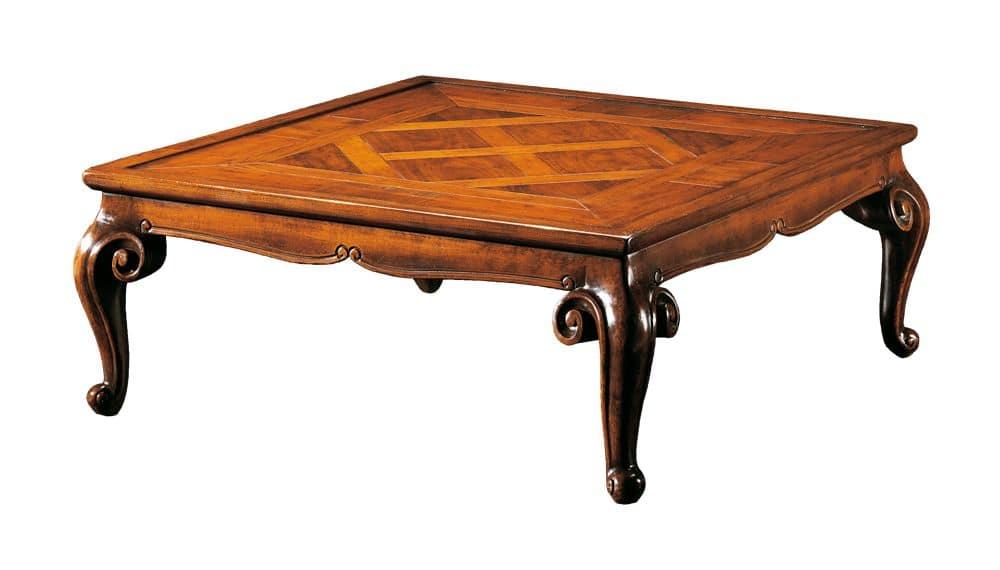 Tavolino in noce intagliato e intarsiato per salotto for Tavolini per ufficio