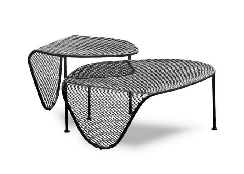 Tavolini in tubo di metallo piano con effetto moir for Tavolini esterni