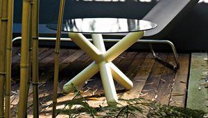 Toy, Tavolino con piano tondo in vetro, per interni ed esterni