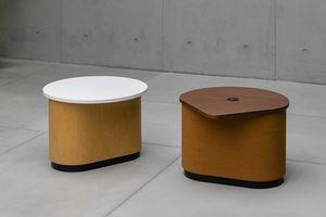 Coulis, Tavolino accessoriabile con prese elettriche e USB