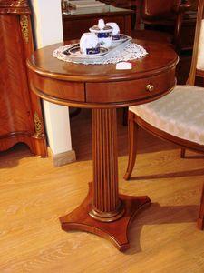 Art. 139, Tavolino con cassetto, in piuma di noce