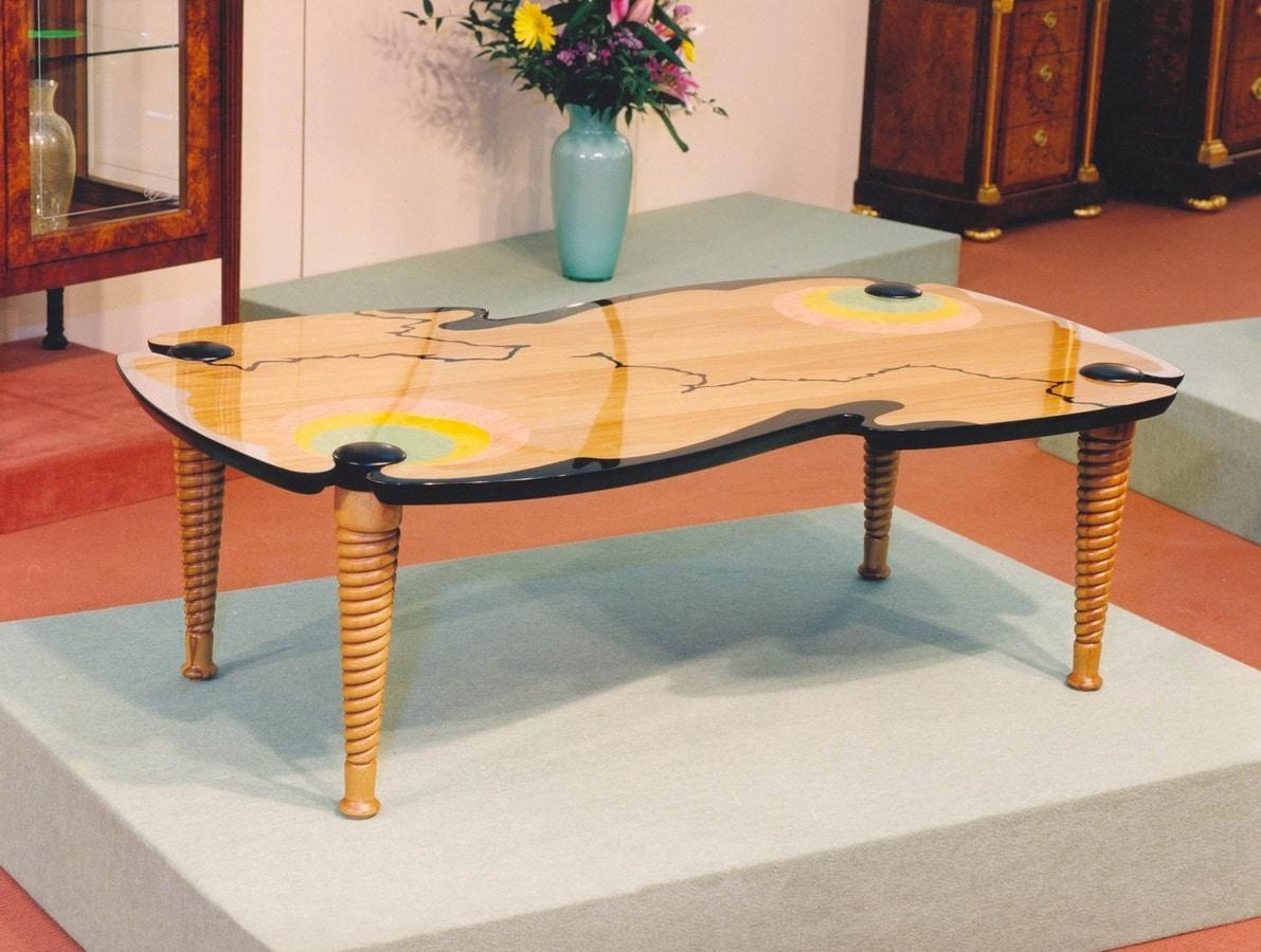 Art. 232, Tavolino per salotto in legno policromo