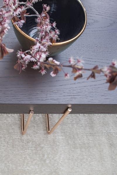CRUZ, Tavolino e servetto con struttura metallica e piano in legno
